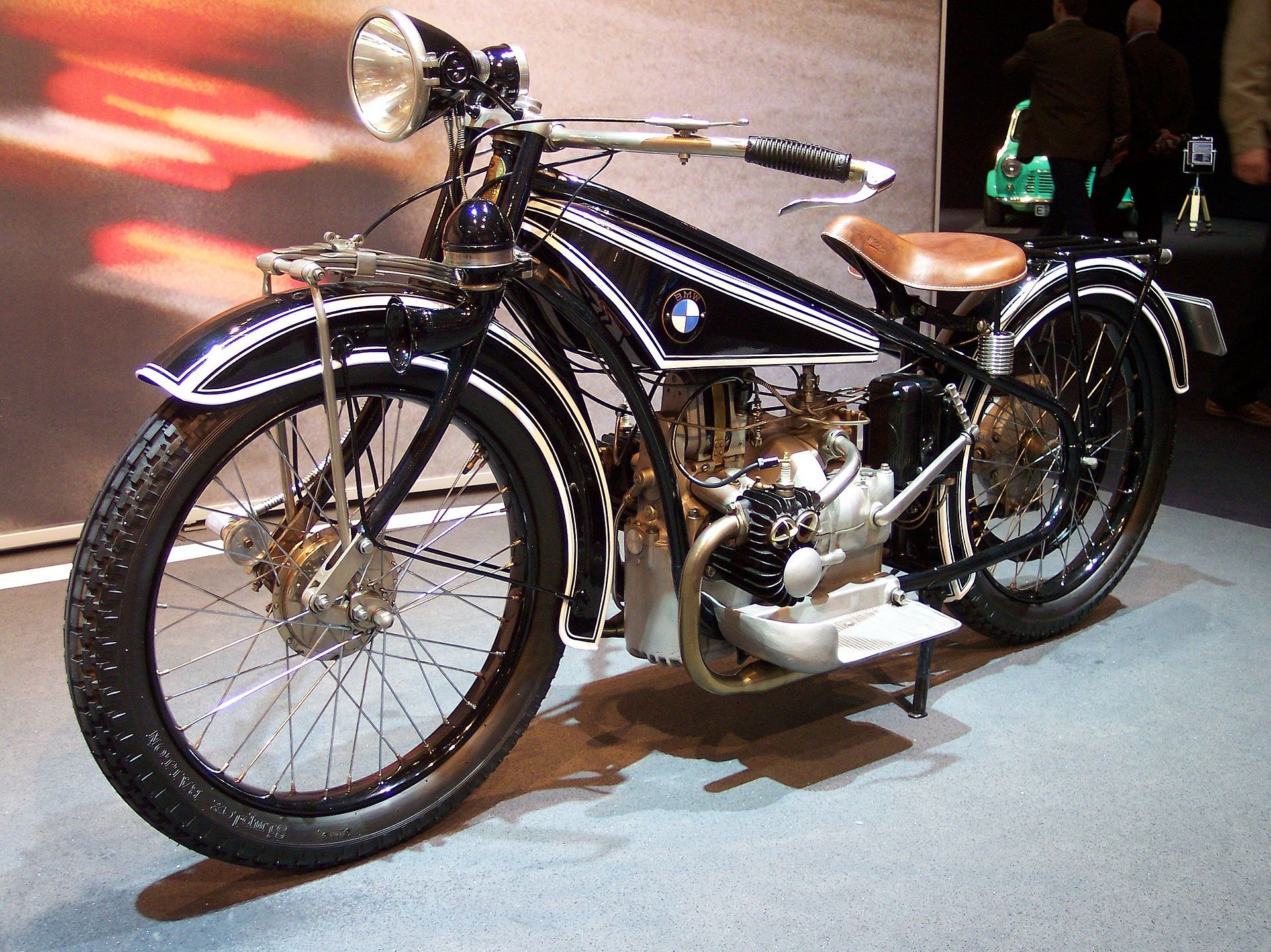 """1923 – BWW created a motorcycle using a compact """"Boxer"""" engine"""
